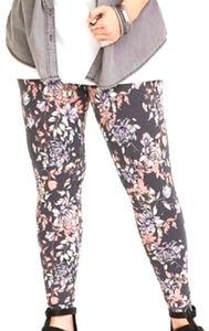 Torrid gray floral skinny leggings size 2